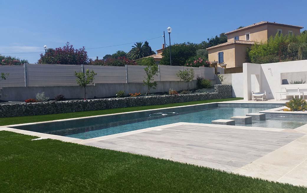Gazon synth tique fran ais haut de gamme sublime 50 for Gazon artificiel piscine