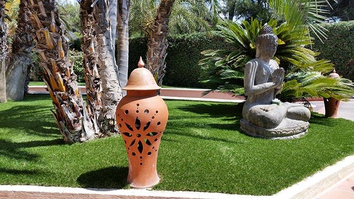 Achat et pose d' une pelouse synthétique française à Barjols