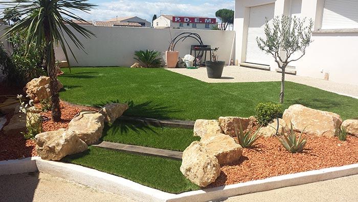 Achat et pose d' une pelouse synthétique française à Moissac