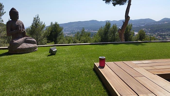 Achat et livraison d' une pelouse artificielle française à Sausset-les-Pins