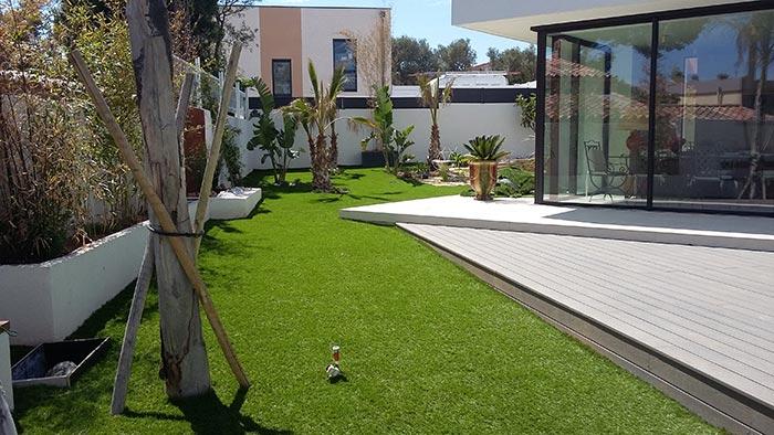Achat et pose d' une pelouse synthétique française à Velaux